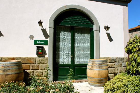 Agricola Buccelletti Winery: Entry