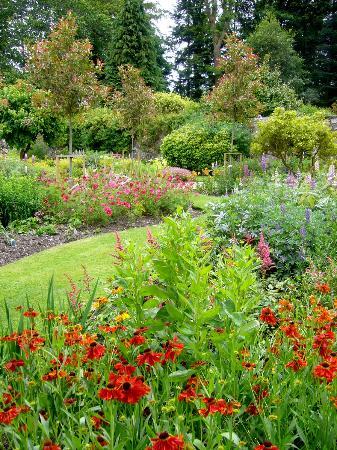 Milntown House and Gardens: Milntown Garden