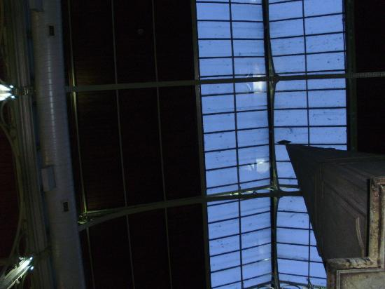 Place St. Gery: The roof of glass