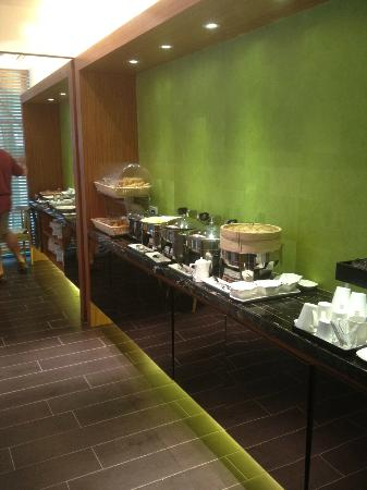 Citadines Mercer Hong Kong: Breakfast buffet