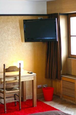 Hotel Escale : tv