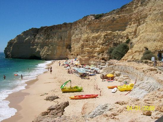 Hotel Baia Cristal: Closest beach, lovely