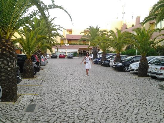 Hotel Baia Cristal: hotel entrance