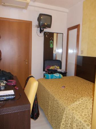Hotel Stockholm: Vista della camera