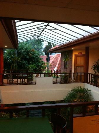 Baan Khachathong: Courtyard