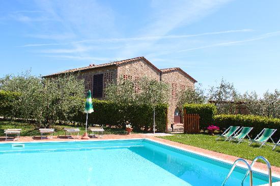 Agriturismo Macinatico 1: Pool - Apartments