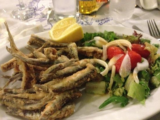 Restaurant Anna: the small fried fish...very nice