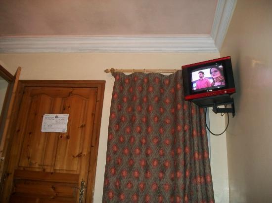 Hotel Royal : Chambre - TV (2M)