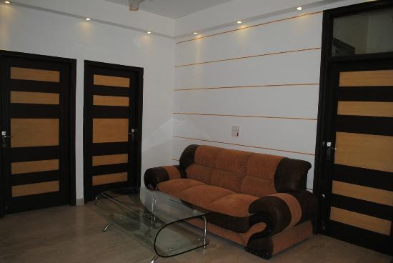 Anand Villa : Lobby Area