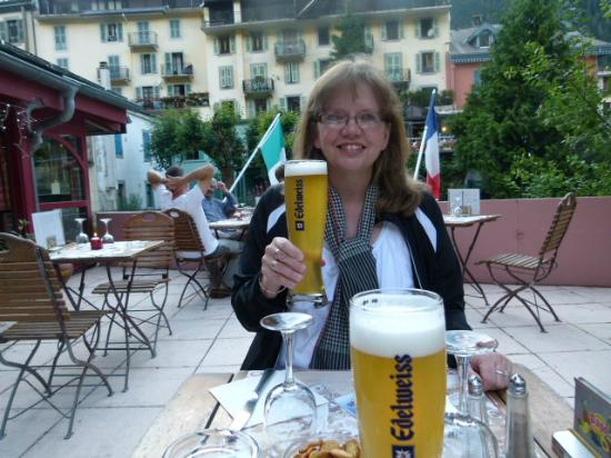 Hotel la Vallee Blanche: We enjoyed some beer and a good dinner our 2nd night