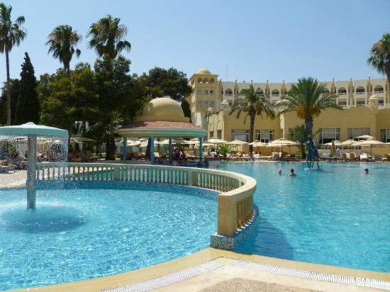 Hotel Palace Hammamet Marhaba : Une des deux piscines