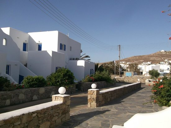 Cyclades Studios: Entrance to Cyclades #Studios