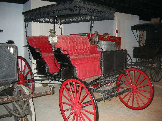 Yakima Valley Museum: horse drawn carriage