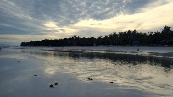 Dumaluan Beach Resort 2: Beach