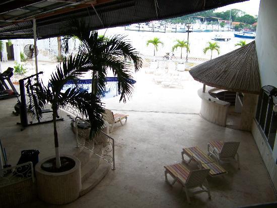 أمادور أوشن فيو هوتل آند سويتس: pool 
