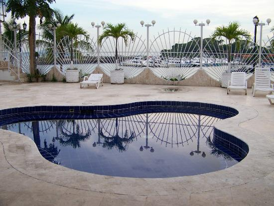 Amador Ocean View Hotel & Suites: pool area