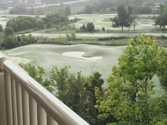 MeadowView Conference Resort & Convention Center: View of golf course from room 414