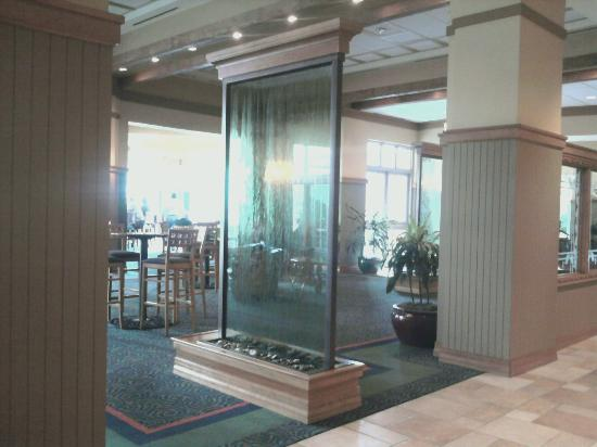 MeadowView Conference Resort & Convention Center: Entrance to hotel bar