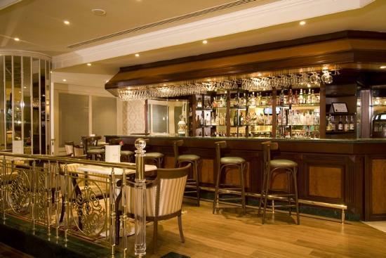 Elite World Prestige Hotel: LOBBY BAR