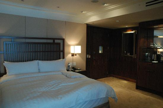 Shangri-La Hotel, Vancouver: Deluxe King Room
