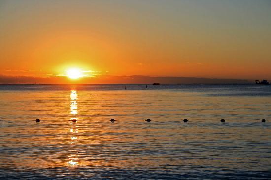 Club Lookea Authentique Tarisa : coucher de soleil sur la plage