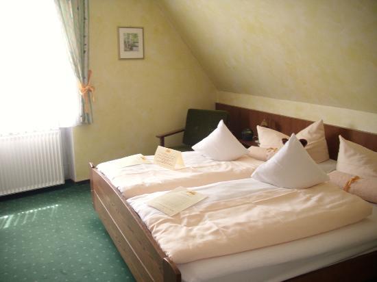 Landhotel & Weingasthof Schwarzer Adler: Zimmer 22