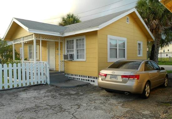 Indian Rocks Beach, FL: Our little 2 bedroom Cottage