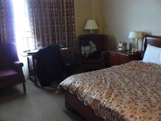Hotel Chateau Laurier: notre chambre (pas super net)