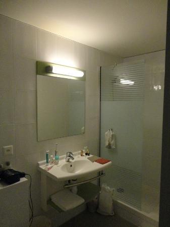 Ibis Budget Leysin : salle de bain