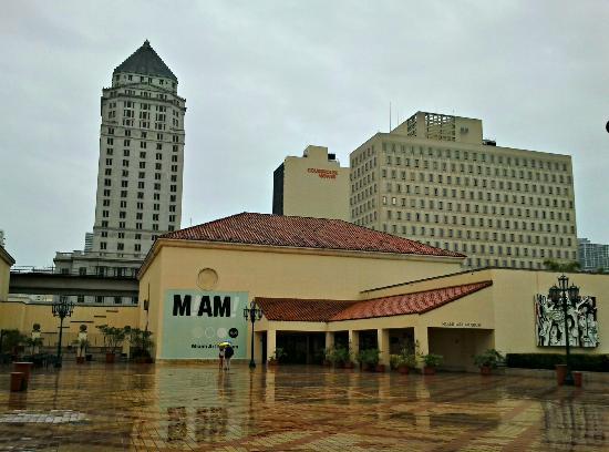 Miami Art Museum : Vista dall'esterno