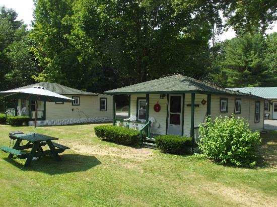 Perry's Motel & Cottages: Cottage