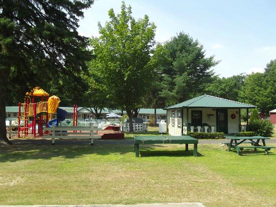 Perry's Motel & Cottages: Cottages