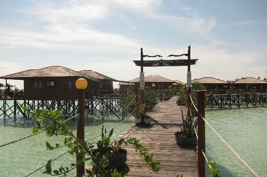 Maratua Island, Indonesien: Entrance to Water Villa