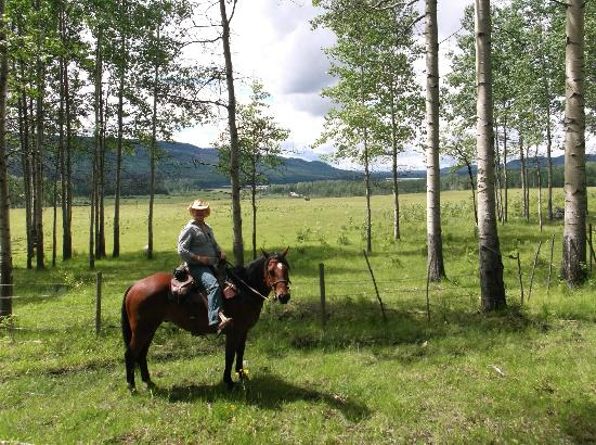 Free Rein Guest Ranch: Riding out on yet another adventure