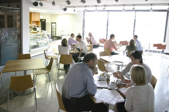 Rivergreen Centre Cafe: Main Dining Area