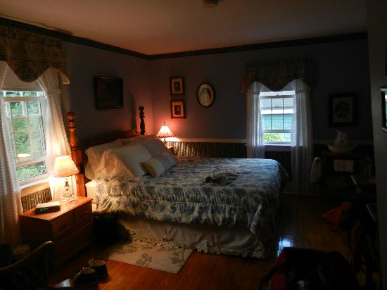 Blockhouse Hill Bed & Breakfast: Room (parents)