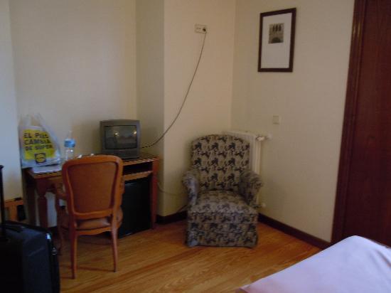 Hotel Asturias: Room