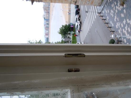 Hotel Asturias: Room view