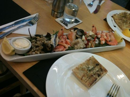 Barkworths Seafoods: seafood platter with ciabatta! perfect