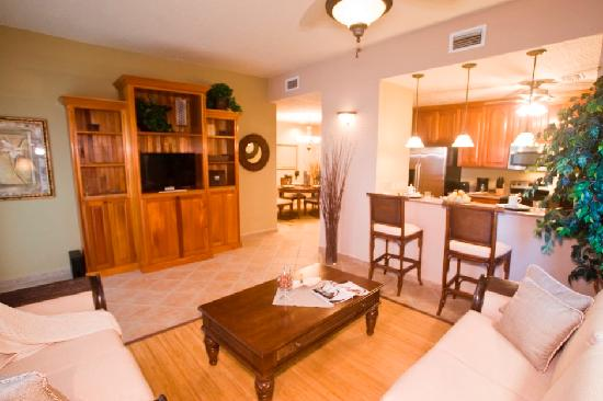 Clarion Suites Roatan at Pineapple Villas: Beautifully appointed suites and rooms