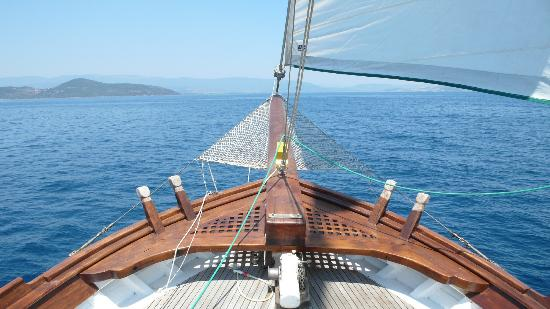 Antik Zeytin Hotel & Art: The beautiful AZ boat