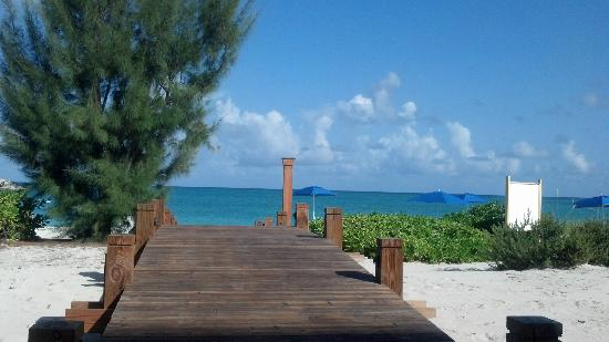 The Venetian on Grace Bay: walkway to the beach