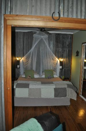Crater Lakes Rainforest Cottages: Pioneer cottage