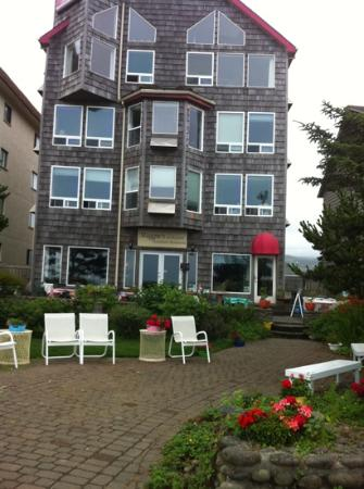 Seaside Oceanfront Inn: exterior