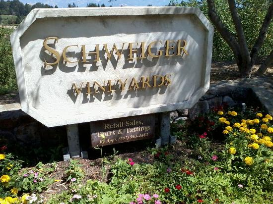 Schweiger Vineyards, entrance