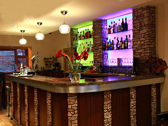Bombay Lounge: Bar with a drink for everyone