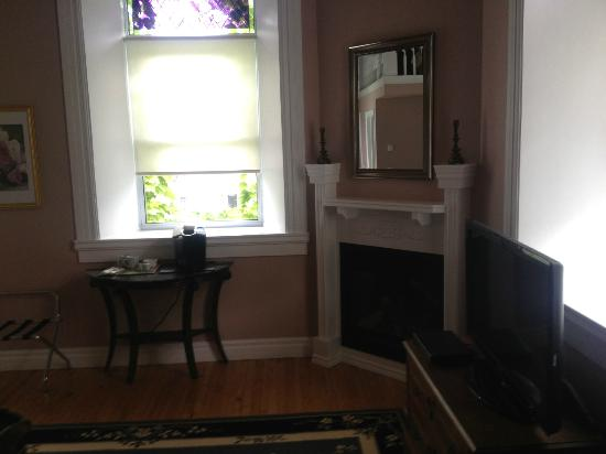 BranCliff Inn: Rose Suite
