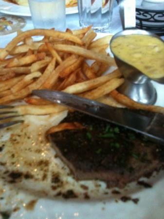 Bistro La Bonne: frites steak