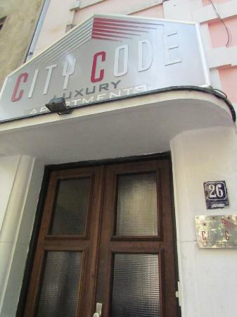 City Code B&B Luxury: entrance