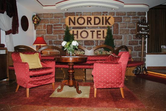 Hotel Nordik: Ingresso
